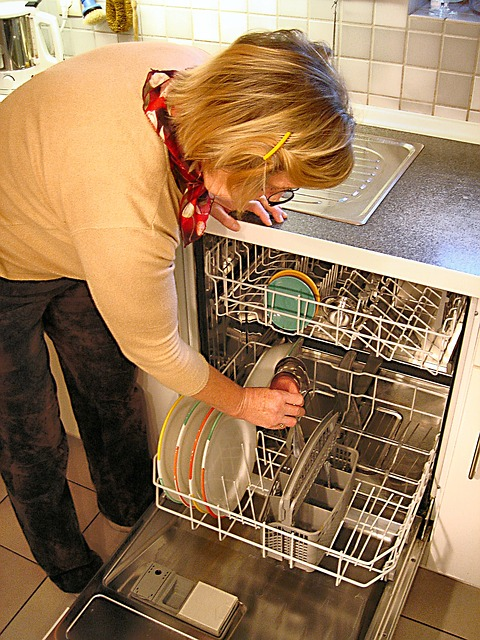 zmywarka, naczynia, mycie, kobieta