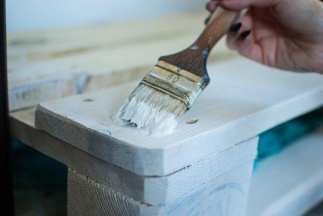 malowanie meble pędzel farba