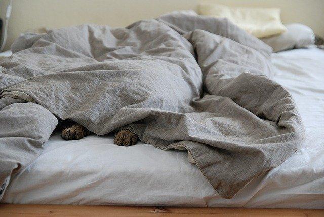 kołdra łóżko