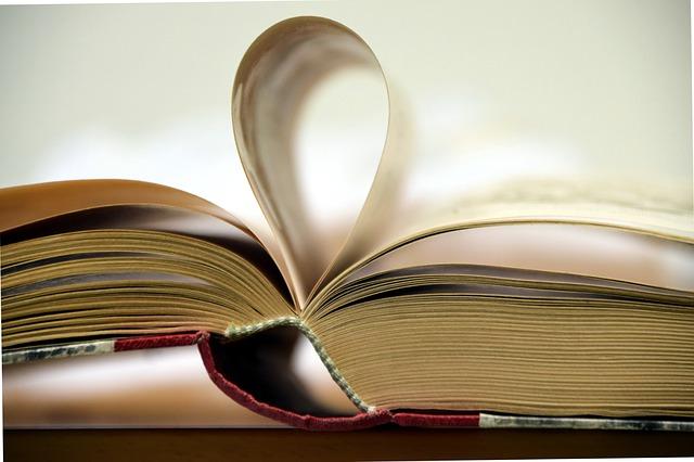 książki Eleny Ferrante