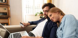 Sprawdzaj opinie na temat sklepów i kupuj bezpiecznie online